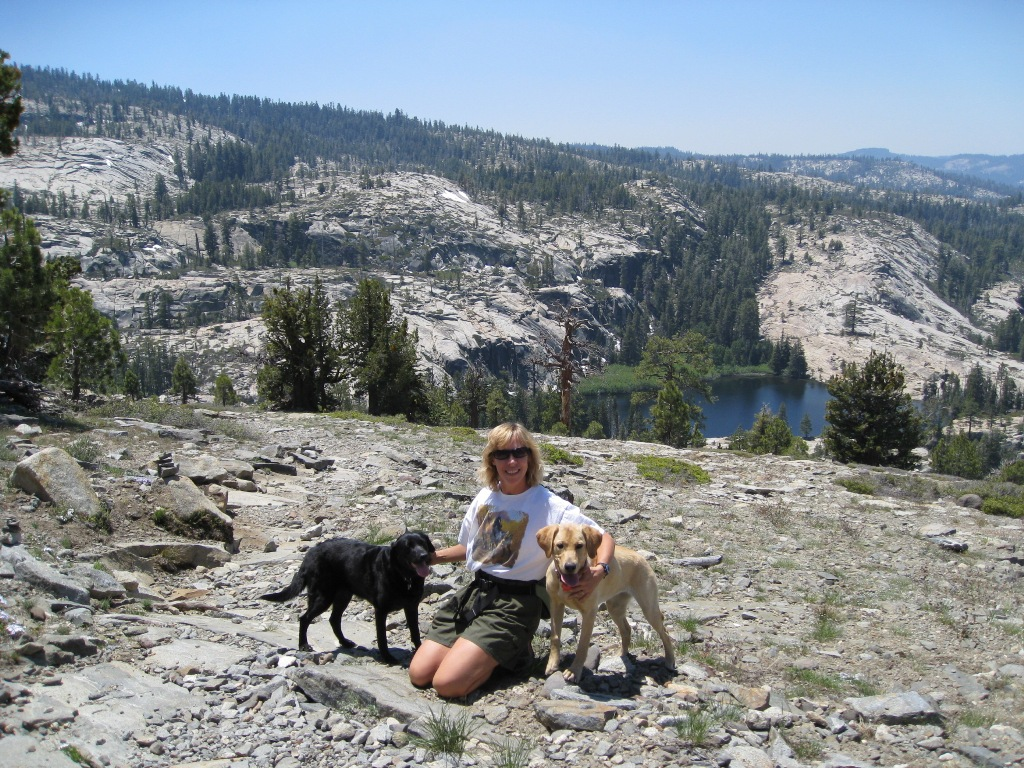 Sierra lakes hikes with dogs